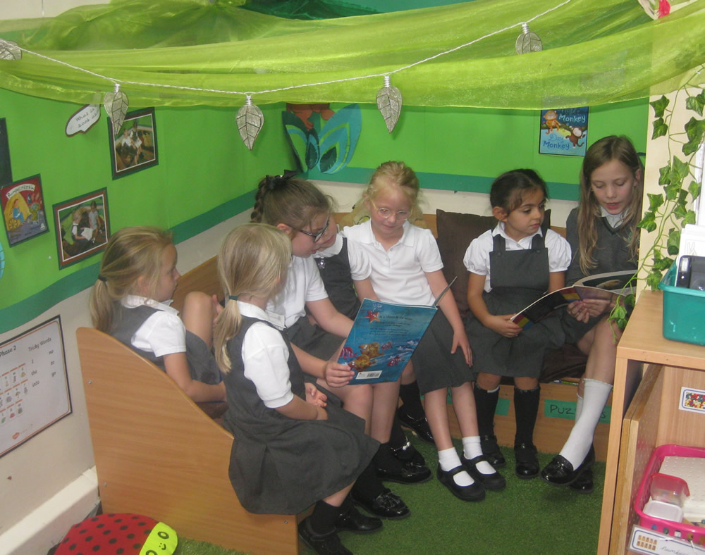 Sharing books with Year 4.