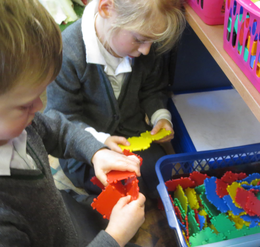 Making shapes with Clixi.